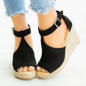 Pinhole Wedged Sandals